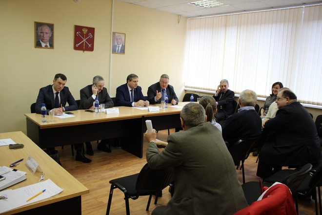 В Правительстве Санкт-Петербурга обсудили поставку качественных светодиодных светильников для города