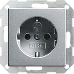 Gira Gira S-55 Алюминий Розетка с/з с защитными шторками