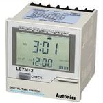 LE7M-2 Цифровой недельный таймер с LCD дисплеем, 100-240 VAC, Autonics