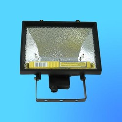 Прожектор галогенный Camelion 0501 FL-1000W черный, в комплекте с лампой, IP 54, 220-240V