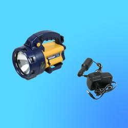 """Фонарь """"Focusray-891"""" с галогенной лампой, аккумулятор, 2 типа свечения, проблесковый маяк, адаптер"""