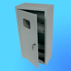 Щиток навесной под 3-х ф. индукционный счётчик ЩРУ-3Н12 замок+окно(495х310х165)