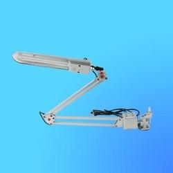 Светильник настольный Camelion KD-017С на струбцине, G23,серебро, тип лампы - энергосберегающая 11Вт