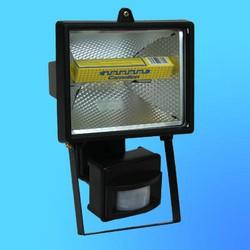 Прожектор галогенный Camelion 0202 FL-500W  S черный, с датчиком,  в комплекте с лампой, IP 54