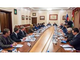 Глава «Россетей» обсудил с губернатором Калужской области вопросы развития ЭСК региона и прохождение текущего ОЗП