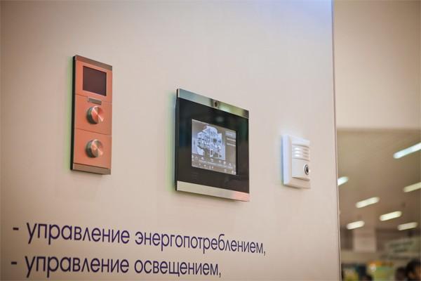 Панель управления «умным домом»: тандем технологий и стиля