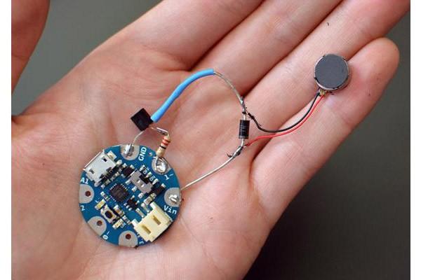ДКО «Электронщик» анонсирует DIY контроллер диаметром всего 3 см!