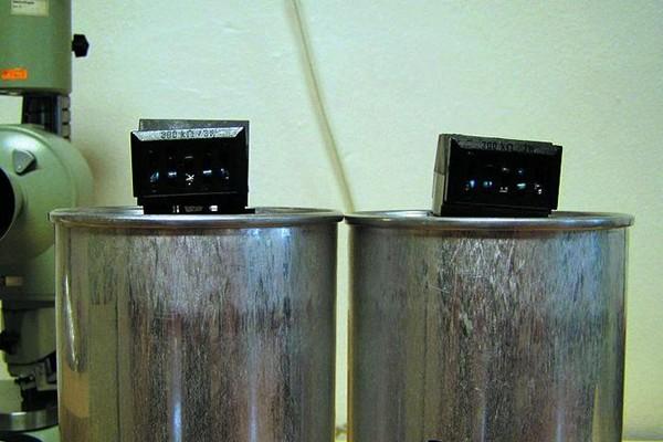 Конструкция и производство конденсаторов для компенсации коэффициента мощности в сетях низкого напряжения