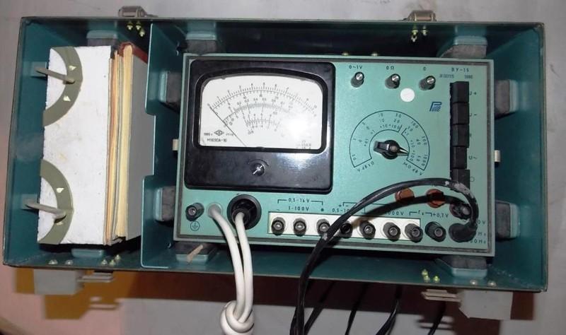 Вольтметр ВУ-15 - напряжения и активного сопротивления. Диапазон измерений:1. постоянный ток:- при измерении через