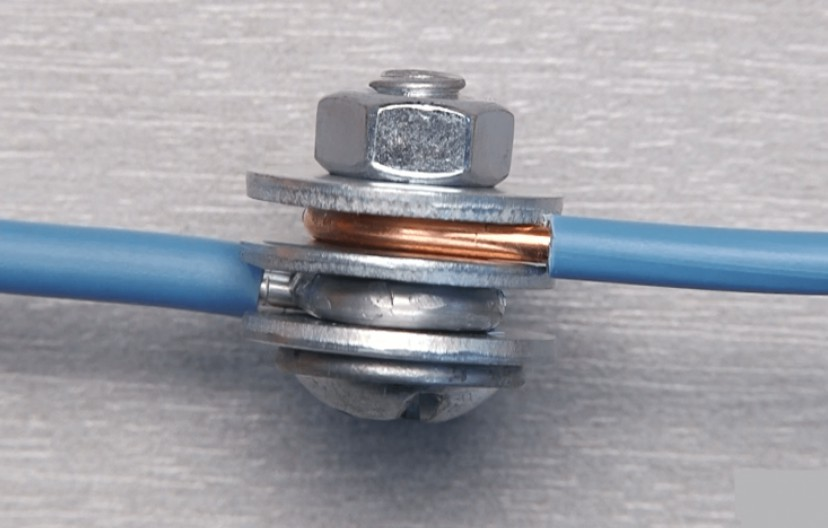 Соединение проводников с помощью болта