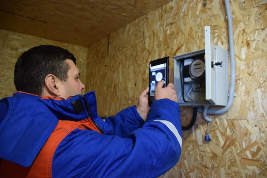 С помощью приложения «Мобильный обходчик» были сняты показания электросчётчиков у 519 потребителей в 12 населённых пунктах