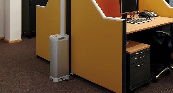 Электроустановочная тумба HAGER в офисном помещении